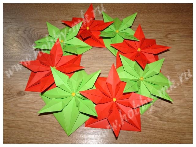 Декорируем рождественский венок бусинами