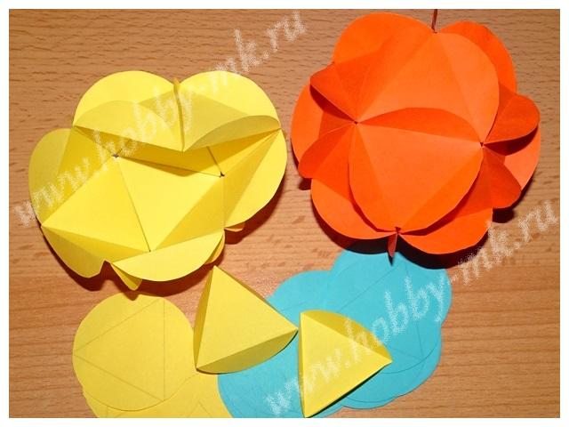 Из подготовленных элементов склеиваем бумажный шар