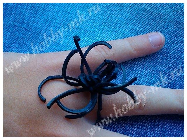 Кольцо Паук из резинок