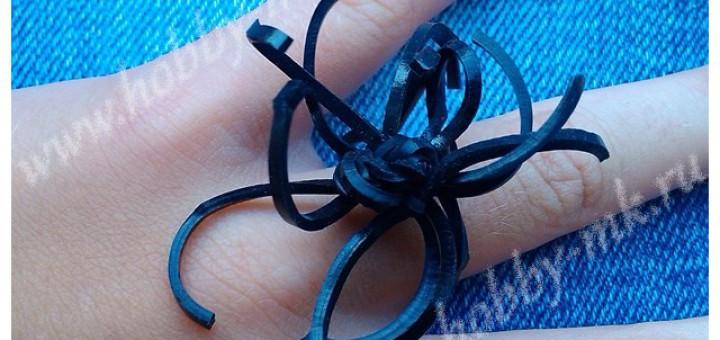 Кольцо Паук из резиночек