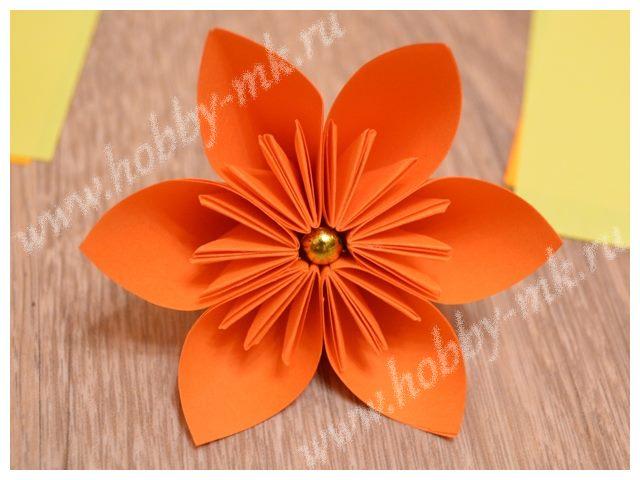 Цветок из офисной бумаги