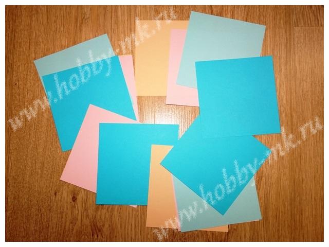 Квадраты бумаги для изготовления объемных снежинок