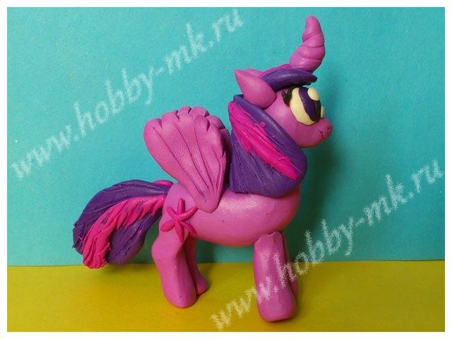 Пластилиновая пони Искорка