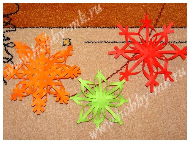 Снежинки из бумажных полосок