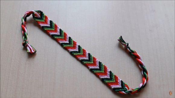 плетение фенечек из мулине как плести фенечку стрелочку